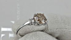 1.71 ct round diamond ring made of 14 kt white gold *** no reserve price ***