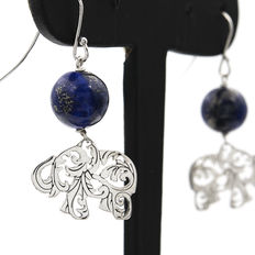 Elephant motif earrings in silver with lapis lazuli. No reserve price