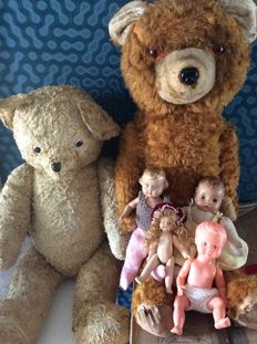 Old bears from France and 4 old dolls