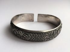 Old 950/1000 solid silver bracelet - China