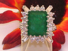 Diamond (2.0 ct) and emerald (7.0 ct) cocktail ring