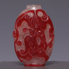 Beautiful glass snuff bottle – red dragon in relief – China – around 1920