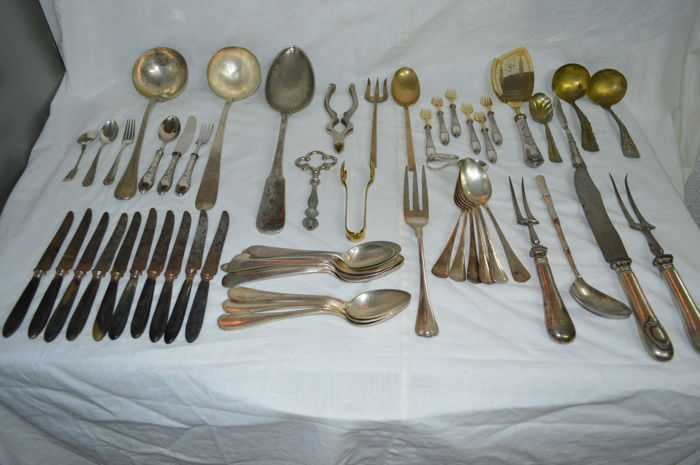 Lot of 56 pieces of cutlery