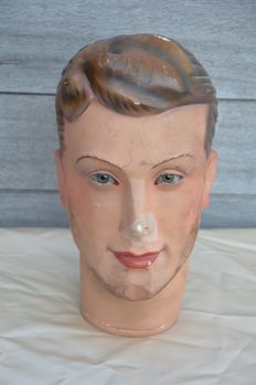 Head of a mannequin with glass eyes