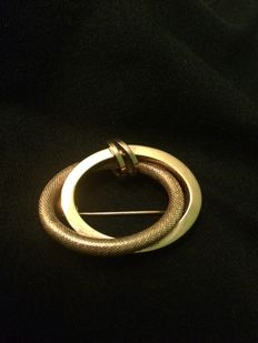 18 kt yellow gold brooch from the 1970s