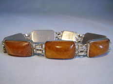 Antique amber bracelet with Königsberg natural amber