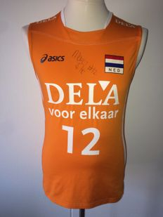 Manon Flier / Volleyball - Original signed and worn international outfit (shirt + shorts), Dutch National Volleyball team.