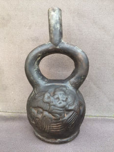 Pre-Colombian terracotta stirrup bottle - 20 cm