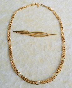 MONET Gold Plated Unisex Chain and Gold Tone Brooch Set