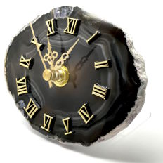 Lovely Agate slice - Quartz clock with stand, or wall-hanger -  113 x 85mm