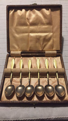 Six gold-plated 1st grade content silver teaspoons with enamel