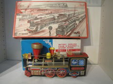 Beckh, Western Germany/Japan - Spoor h0 / length 29 cm long - Lot with train set and locomotive with clockwork / battery engine, 50s/70s