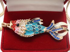 Vintage (1970s) - Canada - Yellow Gold plated Reversible Fish Pendant with long Chain - No Reserve