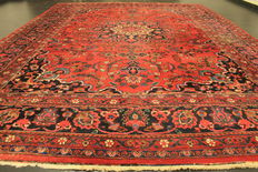 Antique old hand-knotted Jugendstil Persian carpet, Mashhad, 260 x 350 cm, made in Iran, signed by the knotting master.