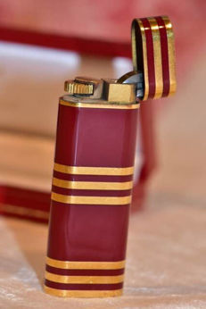CARTIER red lacquer and yellow gold