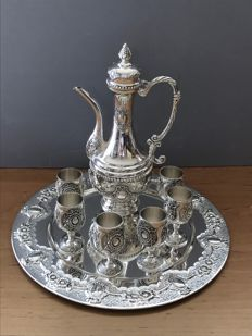 Heavy 8-piece silver plated Russian decanter with 6 goblets on tray ( 2 kilo )