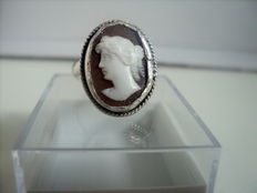 Vintage silver ring with Shell Cameo