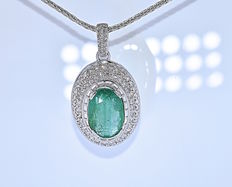 16.23 Ct Emerald and Diamonds necklace - No reserve price!