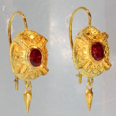 Victorian Dutch gold earrings with natural rubies - anno 1880