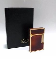 DuPont Made in France-Paris, gold plated and Chinese lacquered lighter in original case