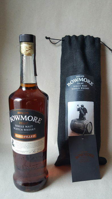 Bowmore 2016 Hand-filled at the distillery  20 years old - distillery exclusive