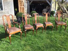 5 solid oak dining chairs in Queen Anne style of which 2 have arms - the Netherlands - ca. 1900