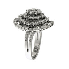 Fantasy ring in white gold with 3.29 ct diamonds