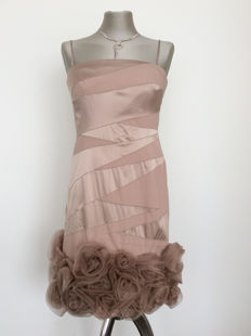 Valentino - Gorgeous vintage dress of a.o. satin, very beautiful flowers on the seam, very exclusive.