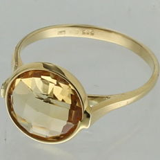 Yellow gold solitaire ring in 14 kt with citrine - Ring size: 17