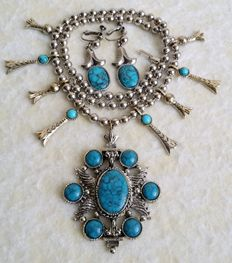 Vintage Signed ART Silver Tone Squash Blossom Faux Turquoise Necklace & Clip On Earrings Jewelry Set