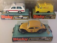 Dinky Toys - Scale 1/43-1/48 - Lot with :VW Beetle Schweizer Postwagen PTT No.262,  Bedford AA Van No.412 and Range Rover Police No.254