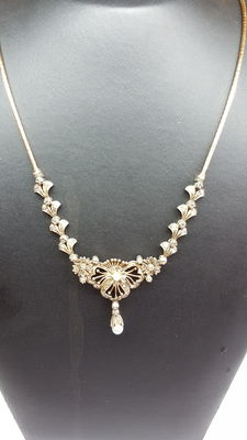 Women's antique necklace 14 kt yellow gold set with rose diamond, handmade