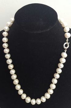 Necklace of Large Cultured Freshwater Pearls