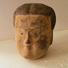 Pink slip black terracotta courtesan's head - H 12 cm