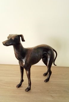 Magnificent sculpture of a male Greyhound.