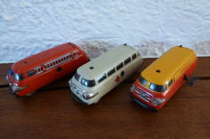 SCHUCO, US Zone / Western Germany - Length 11 cm -lot with 3 tin Varianto cars: 3046, 3047 and 3043 and clockwork motor, 1950s