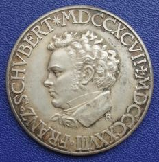 Weimar Republic - silver medal 1928 from K. Roth 100th Death anniversary Franz Schubert 1797-1828