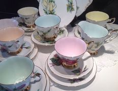Paragon Harry Wheatcroft - 21 Piece Tea Set