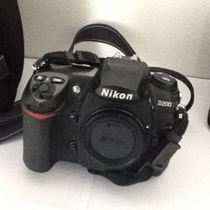 Nikon D200 body including lenses and accessories