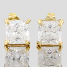 14KT gold stud earring set with created moissanites