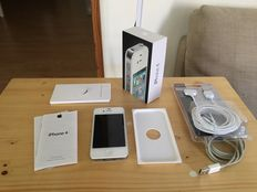 Apple iphone 4 16GB White in original box and new charging cable