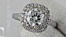 2.00 ct VS1 diamond halo ring made of 14 kt white gold - size 7,5