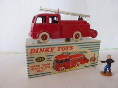 Dinky Supertoys-France - Scale 1/48 - Van fire department first aid Berliet No.32e