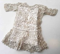 Two museum pieces, hand made in Irish crochet lace with Burano pillow lace inserts and macramé lace - Venice - late 19th century