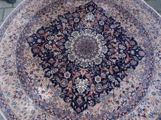 "Round Nain Iran diameter 2.03 cm ""Impressive, Persian carpet with silk – In stunning, nearly unused condition"""