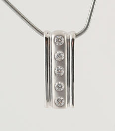 14kt white gold pendant total diamond 0.20ct  - length 18 mm