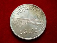Oriental Republic of Uruguay –25,000 new silver pesos, 1992 25 anniversary of Central Bank of Uruguay