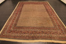 Magnificent handwoven Persian rug, Sarough Mir, 225 x 350 cm, made in Iran, best highland wool, around 1970-1980