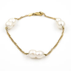 Yellow gold bracelet with Baroque pearls cultured in fresh water