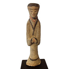 Exceptional Large Pottery Female Attendant, with  thermoluminescence test - H. 40 cm.